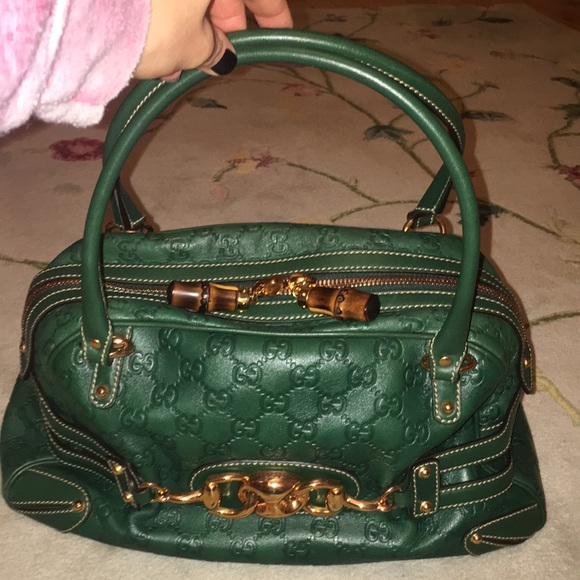c4b0d5aea45589 Gucci Handbags - Stunning green Gucci bag